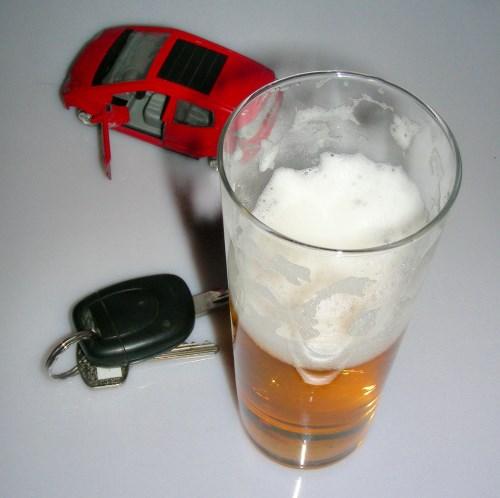 Alkohol am Steuer © S. Hofschlaeger / pixelio.de