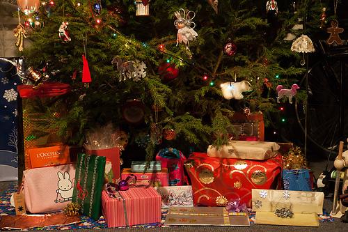 Weihnachtsgeschenke © flickr.com / ahenbarbus